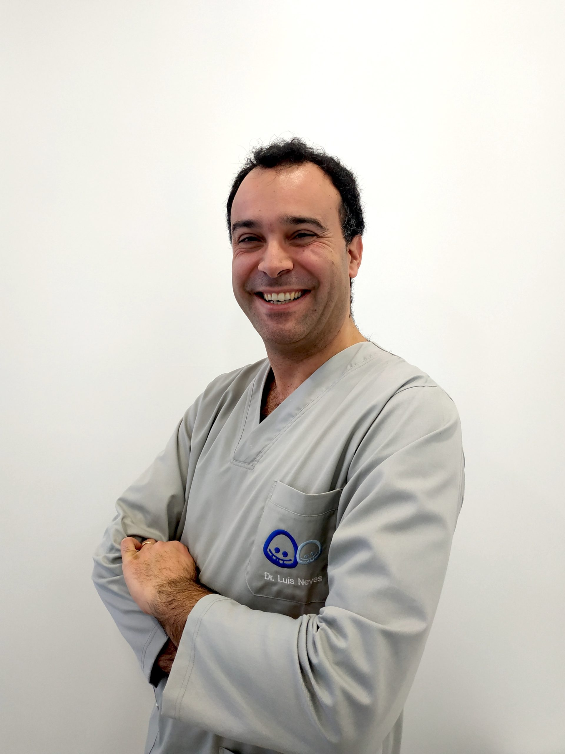 DR. LUÍS NEVES